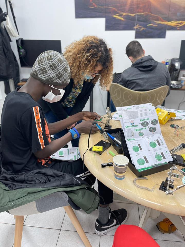 Atelier de création de lampes solaires